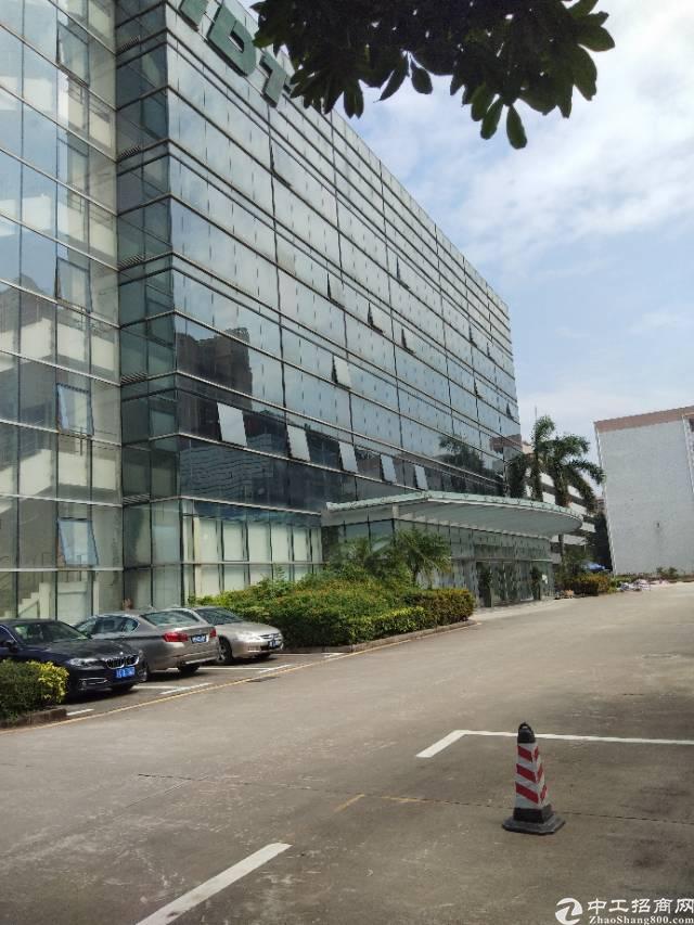西乡臣田工业区楼上整层3600平方厂房招租