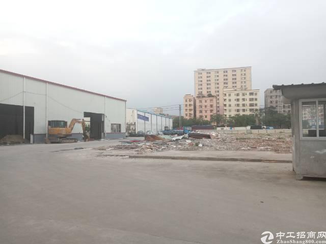 沿江高速出口己空出一楼8米高钢构3900平厂房招租