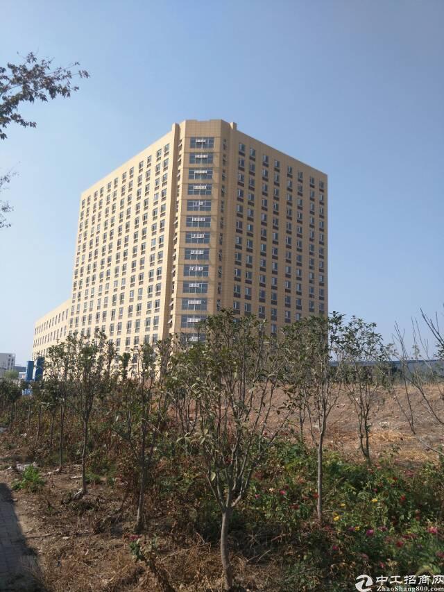 武汉东西湖区总部基地办公楼