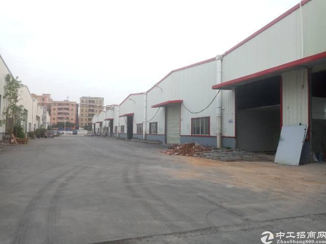 中南广场对面已空出8米高钢构厂房5620平招租