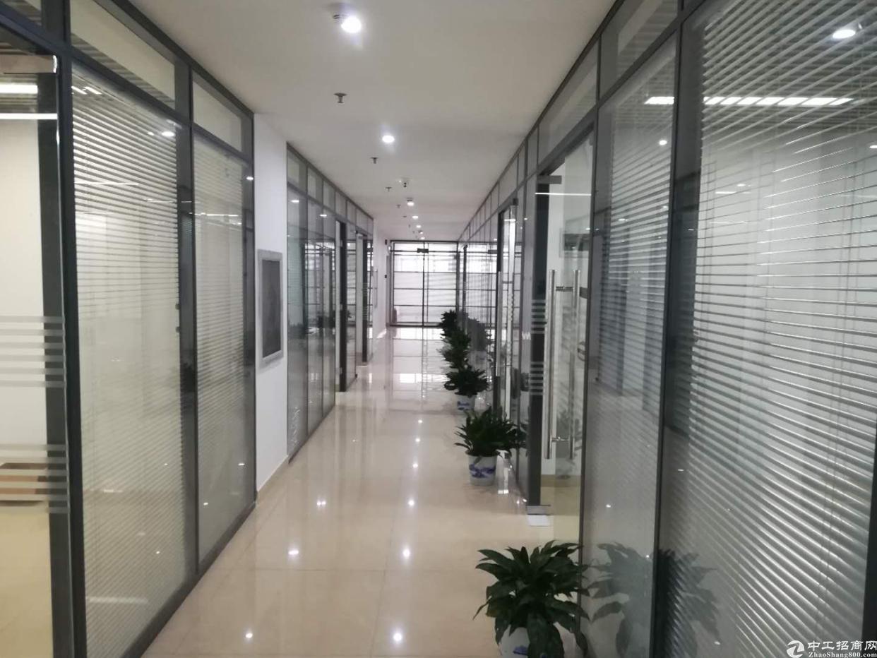清湖地铁口精装写字楼155平租78包中央空调,物业费