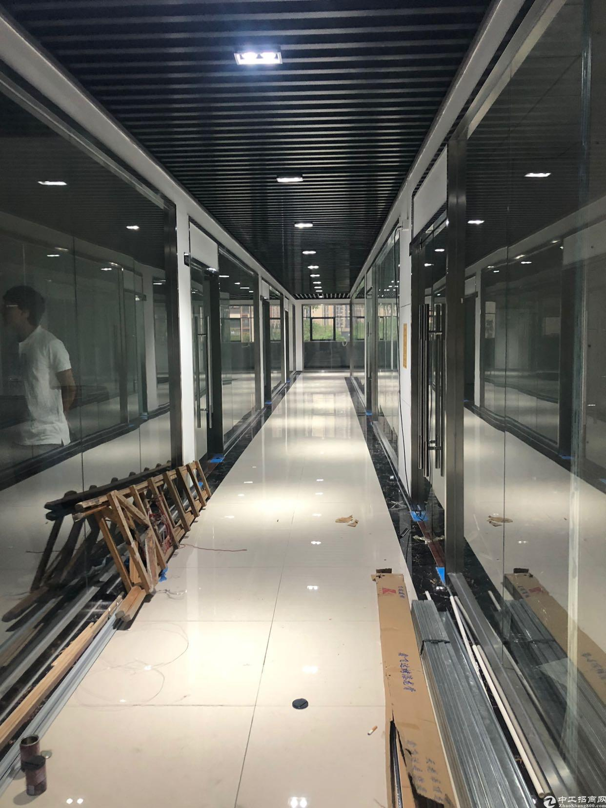 坂田地铁十号线附近精装修电商园出租
