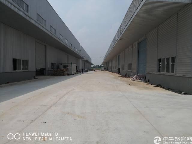 东莞高速路口物流园招租35000方