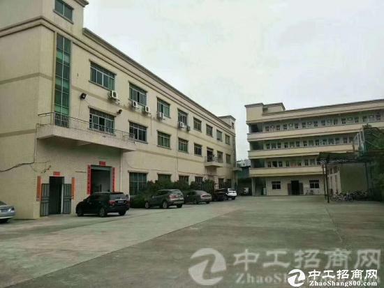厚街镇宝塘村宝塔路独院厂房3楼整层1800方精装修,空地超大
