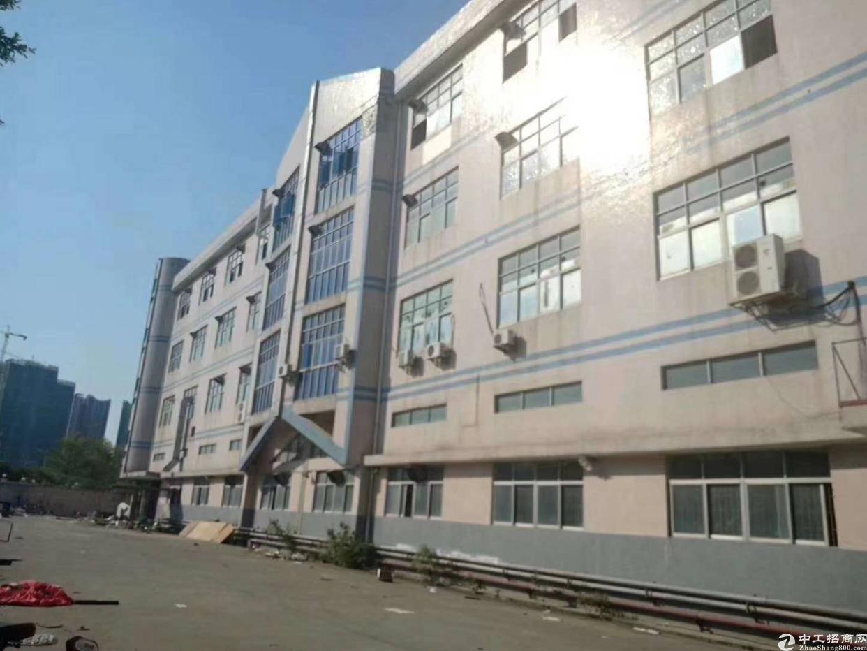 西乡银田工业区3楼2600平米出租,租金30元月