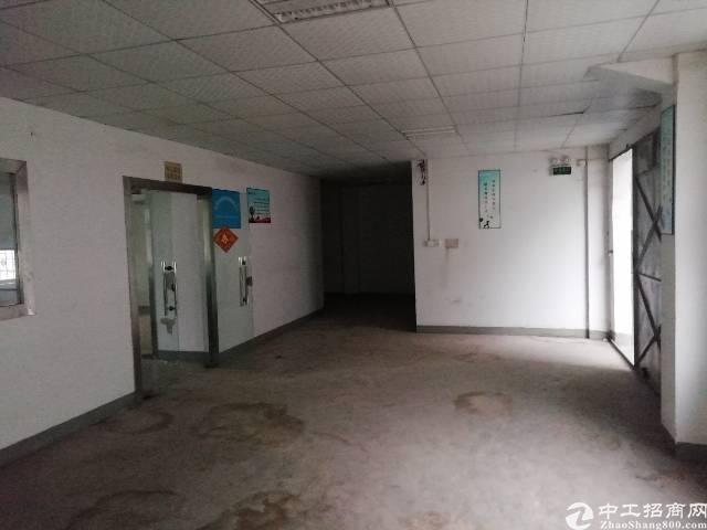 凤岗镇油甘埔车站附近新出二楼650平米独院标准厂房适合各行业