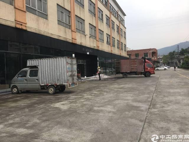 百花洞工业园区楼上厂房2400平可办理环评