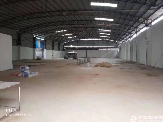 东城独门独院铁皮厂房出租,厂房2300平方米滴水7米,空地3