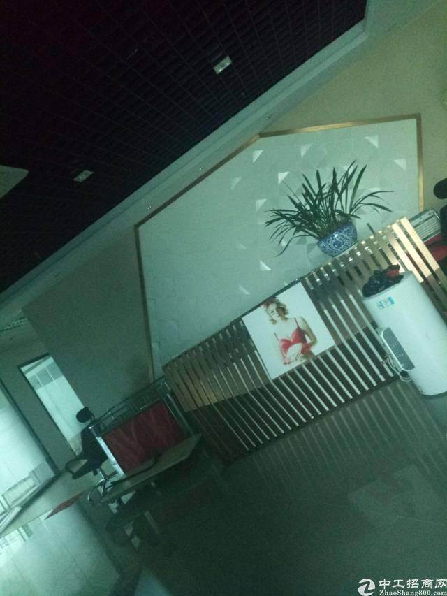 平湖华南城附近新出二楼1500平方原房东厂房招租