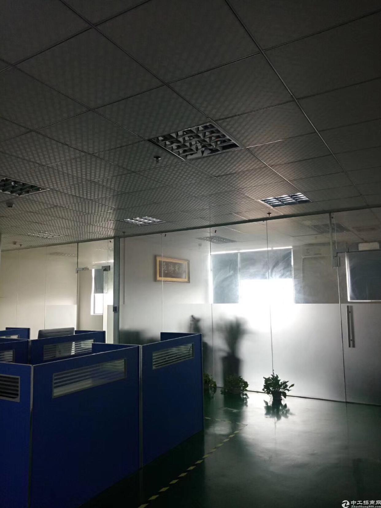 福永桥头地铁口附近写字楼150平方出租