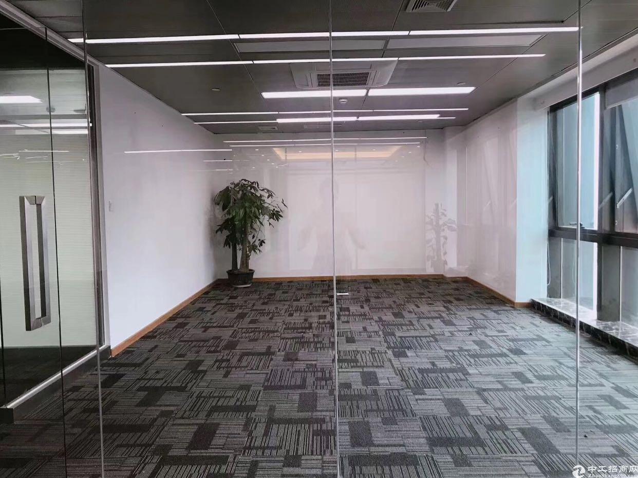 清湖地铁口附近商业红本1780㎡可自由组合