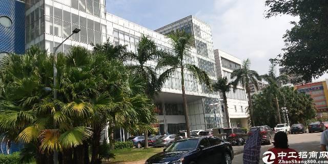 坂田汽车站附近新出一楼3000平厂房出租可分租