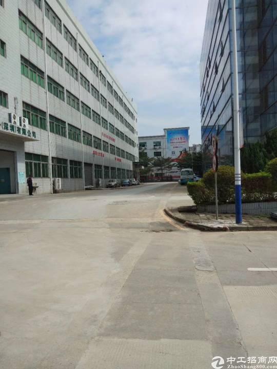 沙井上星沙井客运站附近新出楼上800平米厂房出租