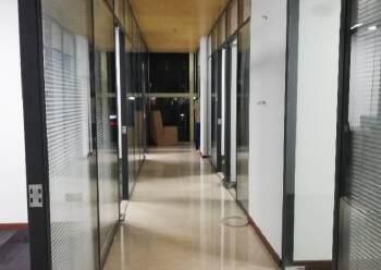 福永地铁口新出20平~50平精装创客 拎包办公图片1