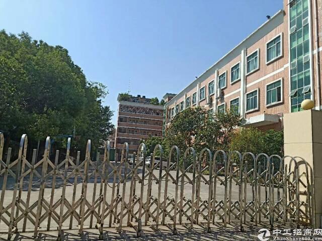 平湖华南城周边工业区楼上500平方米带装修厂房招租