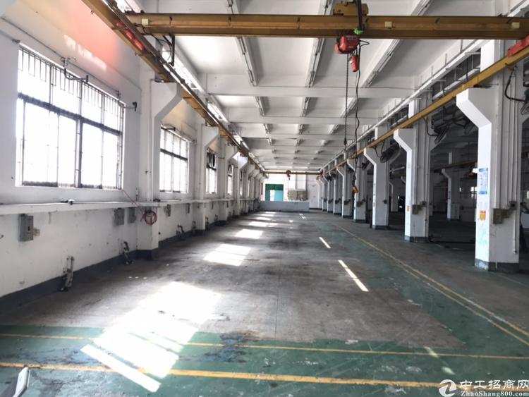 西乡银田厂房一层2600平大小可以分租,宝安大道300米