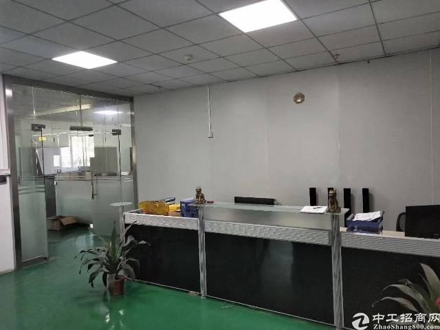 平湖辅城坳工业区新出二楼980平方带红本厂房招租