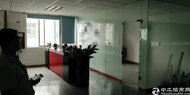 深圳宝安松岗潭头高速辅道边,2楼整层带精装修办公室