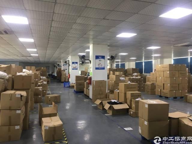 平湖华南城上木古原房东没公摊楼上带装修1200平方厂房出租