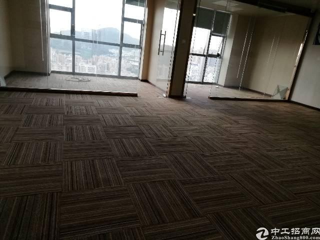 美兰商务中心300平高区精装写字楼出租