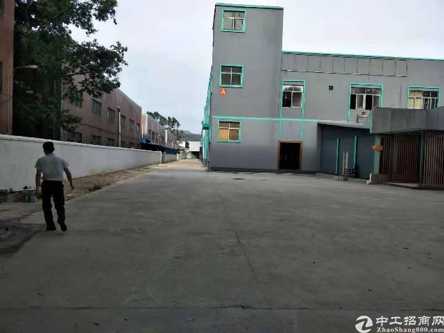 大岭山新出独门独院厂房适合做任何行业可以搬环保8000平米
