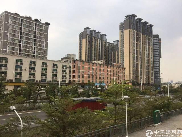深圳龙岗区坂田地铁口红本物业出售