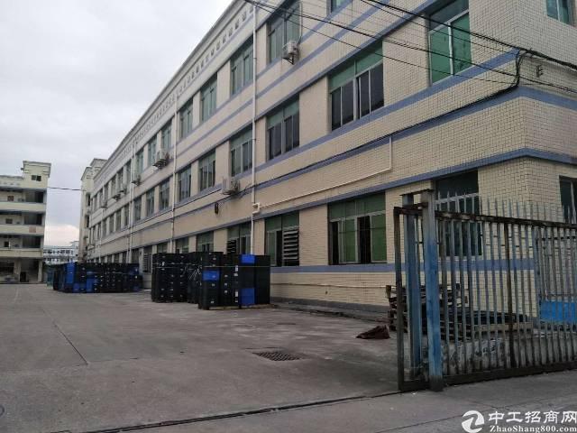 平湖华南城附近新出二楼1000平方厂房招租