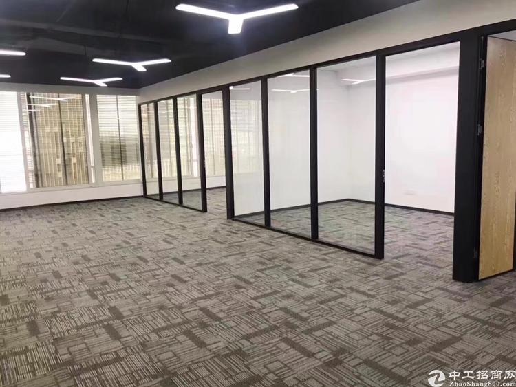 龙华地铁口原房东精装修368平办公室招租