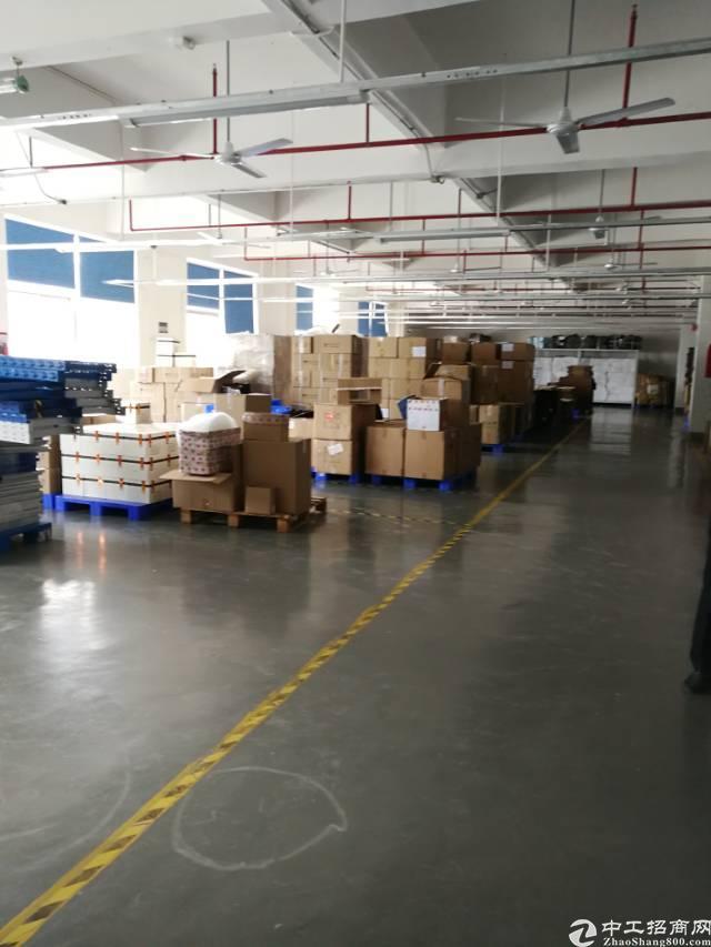 横岗安良三楼带精装修面积1300平米厂房招租