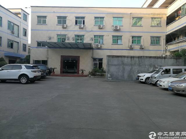 凤岗镇天堂围新出办公室精装修标准厂房2楼500平