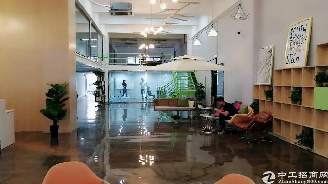 龙华地铁口带豪华复式办公室装修