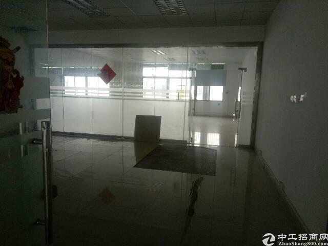 沙井沙三楼上整层1680平 精装修 厂房出租 可分租