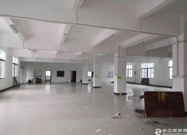 平湖1400平厂房低价出租