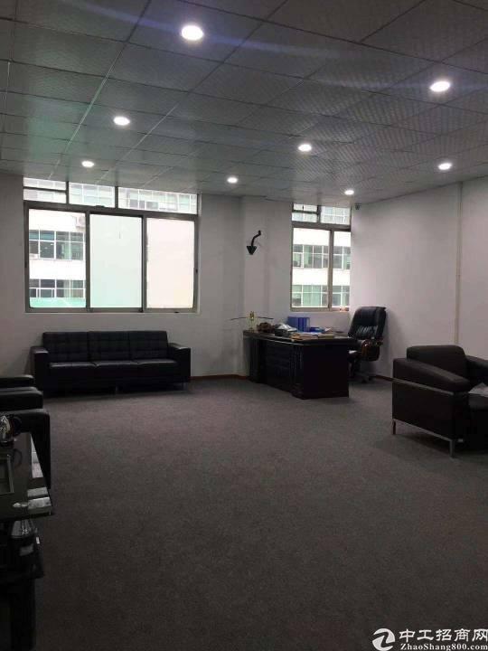 平湖新出輔城坳工业区楼上500平方带装修厂房出租,