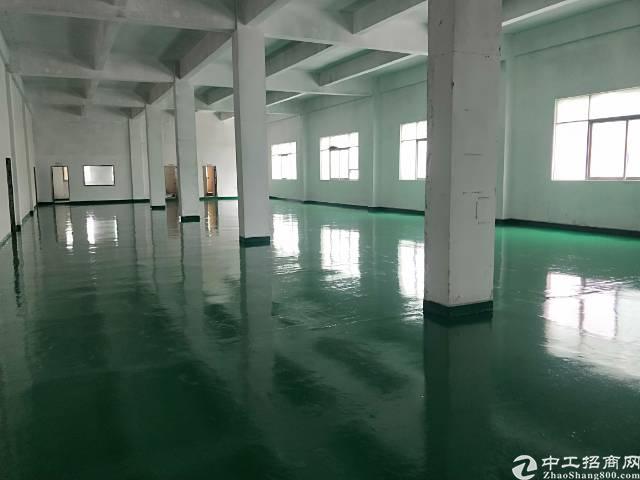 庄村新出楼上1000平方带装修厂房
