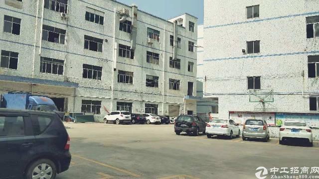 龙岗同乐标准厂房一楼带横车出租720平
