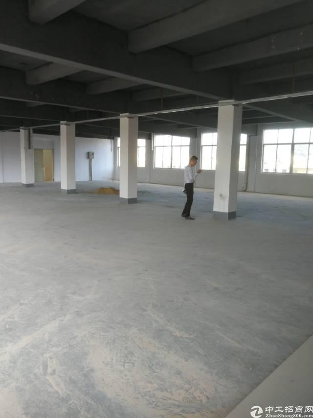 横岗六约地铁站附近二楼整层面积600平米厂房招租