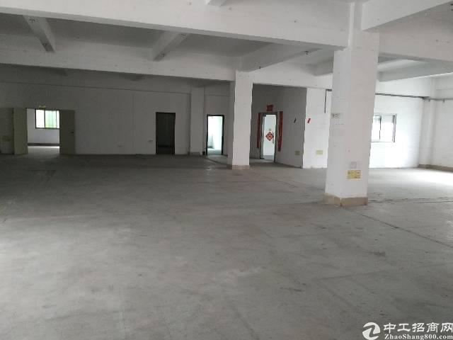 宝安石岩文韬工业区3楼厂房830出租,面积实在,
