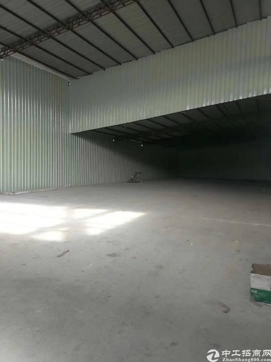 布澜路路旁一楼680平钢构出租(20元一平)