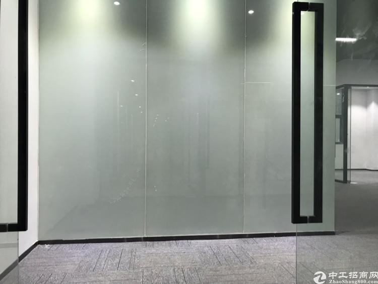 京港澳高速2分钟精装写字楼11350平米,大小可以分租