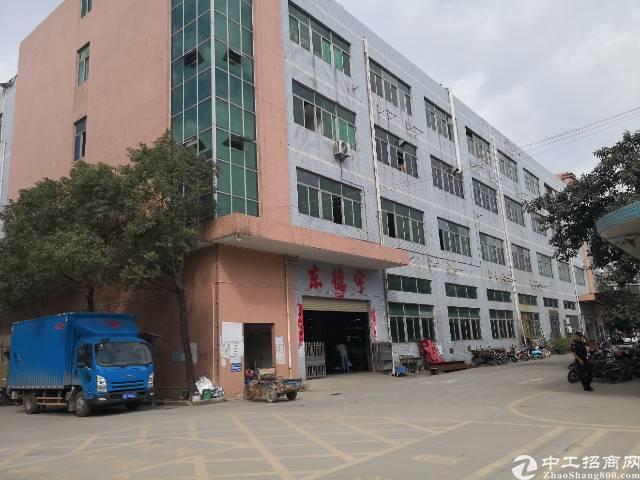 沙井和一西部工业区新出楼上1080平方带精装修厂房招租