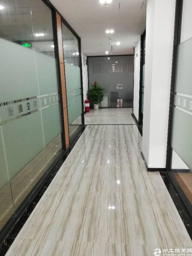 福永地铁口兼看湖景50平办公室出租