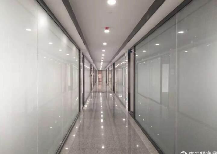 福永地铁口精装修写字楼114平起租,带隔间 带家私图片1