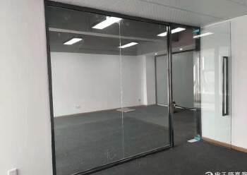 福永地铁口精装修写字楼114平起租,带隔间 带家私图片5