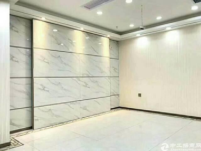 (出租)福永地铁口同泰时代广场262平方带办公家具