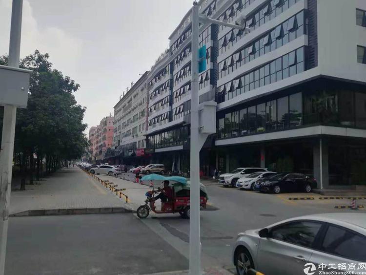 松岗国边人才公寓18000平方招租