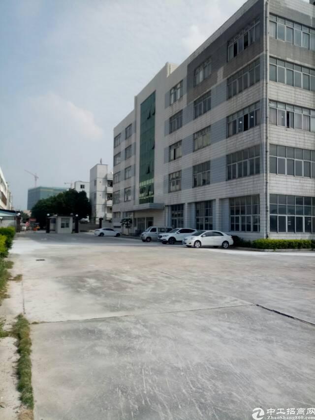 平湖辅城坳清平高速大小独院厂房招租可分租