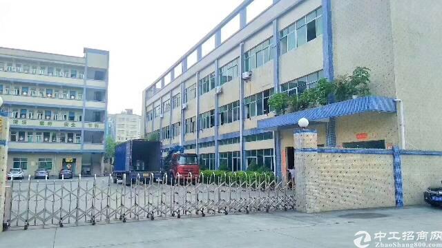 平湖富民工业区楼上1900平方米带装修厂房招租