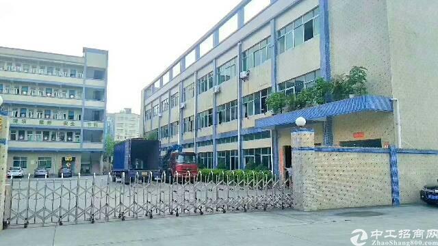 原房东独门独院6800方,厂房三层4900平方,有独立办公楼