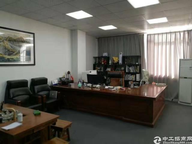 松元观光路楼上精装修标准厂房转租640平方